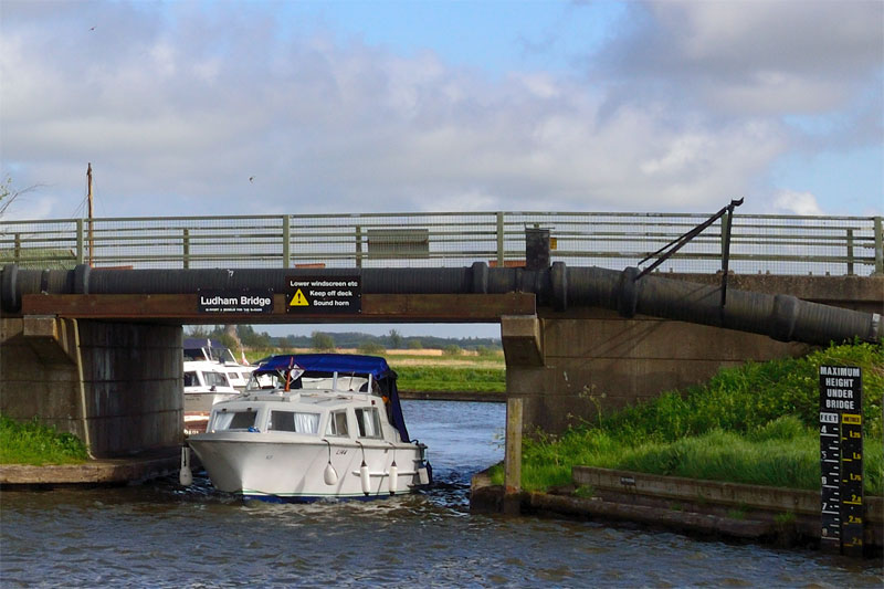Ludham Bridge and height gauge
