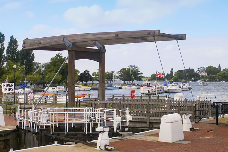Mutford Lock and Oulton Broad Yacht Station