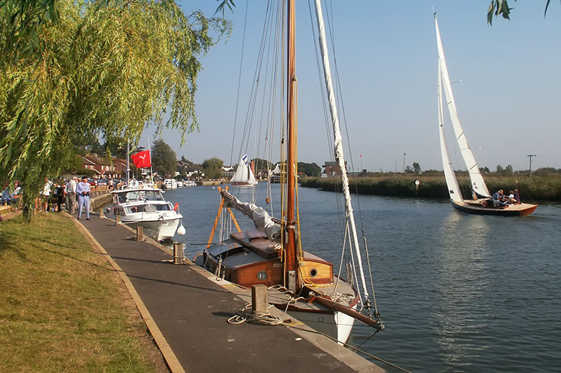The Yare Navigation Race from Reedham Quay